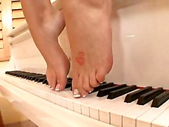 Brooke Banner Footjob FeetHardcore Cum Porn Stars Feet